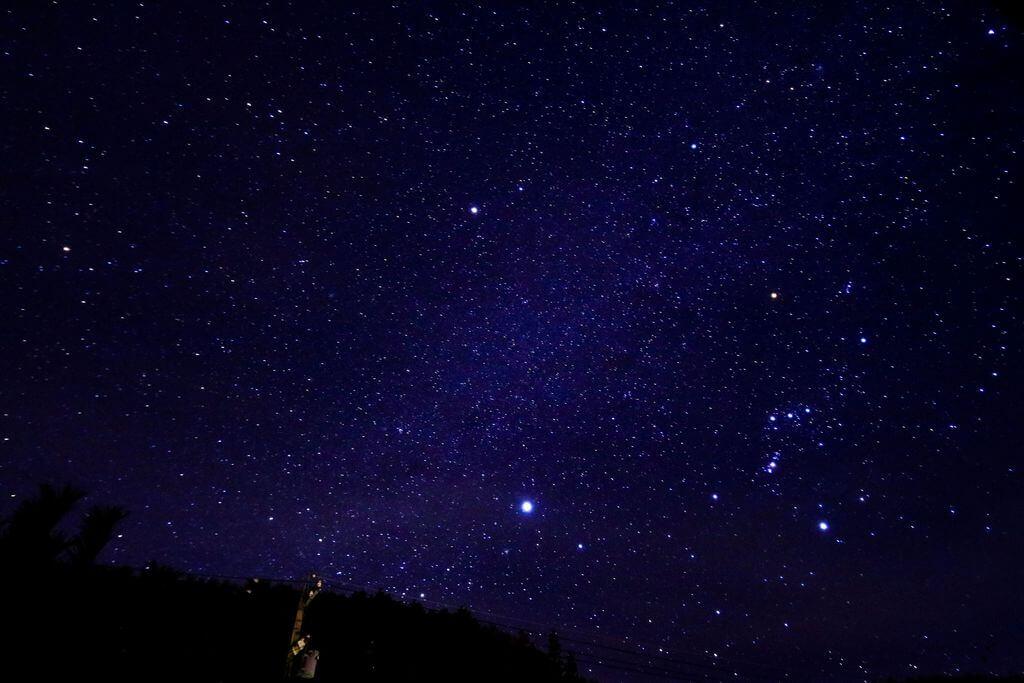 冬の夜空イメージ